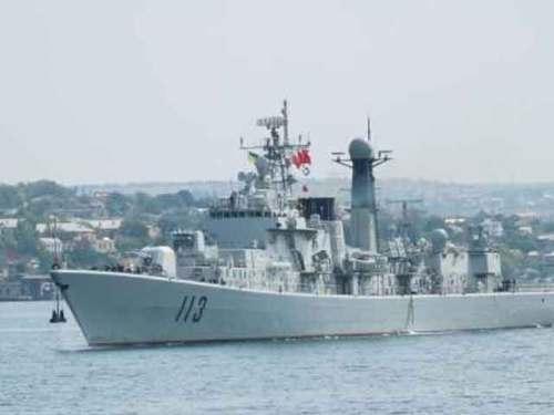 эсминец QINGDAO (Китай)